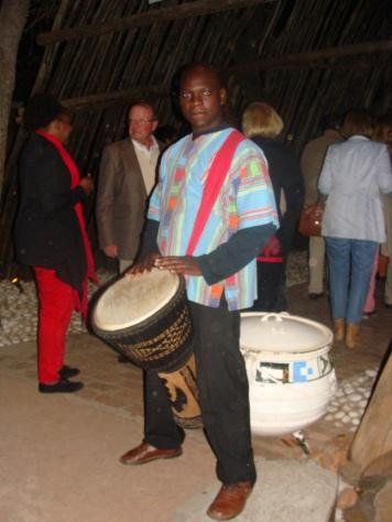 Boma Drummer - Entrance
